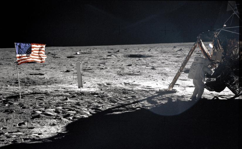"""Ryska troll i rymden: """"Vi ska kolla om Neil Armstrong verkligen gick påmånen!"""""""