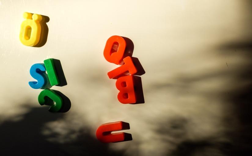Ett gott skratt förkortar karantänen: Nygamla ordspråk för undantagstiden – bidra med dinaegna!